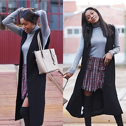 Simone S. Santos - Stradivarius Skirt, Mango Gilet, Michael Kors Bag, Stradivarius Sweater - Statement Piece