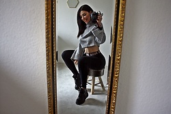 Sarah Lyx - Zara Crop Turtleneck Pullover, Puma High Waist Leggings, Dr. Martens - Home vibes