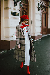 Andreea Birsan - Red Baker Boy Hat, Gold Hoop Earrings, Red Silk Scarf, Check Printed Coat, Graphic White T Shirt, Relaxed White Mom Jeans, Heeled Red Sock Boots, Bag - Checked coat