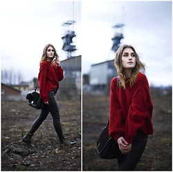 PASHIOON - Stradivarius Pants, Zara Boots, New Look Sweater, Zara Bag - In red.