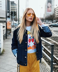 Laura Simon - Soniush Denim Jacket, Fila Yellow Pants, Urban Outfitters Sailor Moon Sweater, Urban Outfitters Yellow Glasses - Sailor Moon 💛