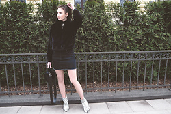 Anna Puzova - Zaful Jacket, Sammydress Skirt, Rosegal Boots, Stuudio Nahk Bag - FUZZY JACKET LOVE