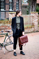 Laura - Moimoi Bag, Armedangels Pants, Funktion Schnitt Shirt, Filippa K Blazer - Business Look with Leather Bag