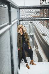Anna Turanova - Reserved Coat, Reserved Boots, Zara Jeans, Zara Top - Urban winter