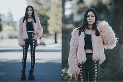 Ami Amour - Dollskill Lace Up Leggings, Makemechic Pink Fur Coat - Fur & Leather