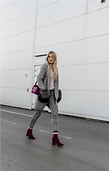 Sofija Surdilovic - Zaful Faux Fur Pocket Cardigan, Rosegal Red Wine Ankle Boots, Gamiss Red Wine Bag - Tres chic