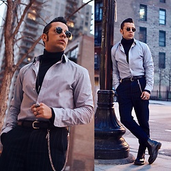 Franko Dean - Zara Trousers With Stripes, Asos Chain, Ray Ban Round Sunglsses, H&M Shirt With Stripes, Uniqlo Turtleneck, Dr. Martens Boots - Take me out