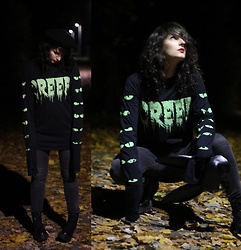Maze - Dolls Kill Creep Sweater - Creep