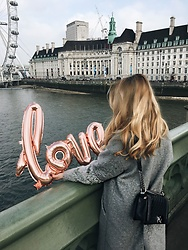Caroline Louis -  - Love is all you need