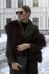 Sigita Mušauskaitė - Prada Sunnies, Winter Avenue Fur Scarf, Mango Coat, Massimo Dutti Bag - Diva