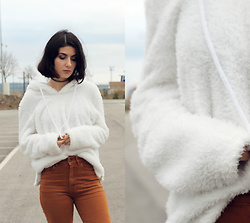 Adriana R. - Gamiss Fuzzy White Hoodie, Zaful Gray Choker - Fuzzy & Fluffy Hoodie / Feeling Like a Cloud