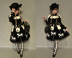 Melva Yan - Angelic Pretty Carnival ワンピース, Killstar Coffin Bag, Alice And The Pirates Black X White Socks, Angelic Pretty Elegant Hat - Angelic Pretty - Carnival OP