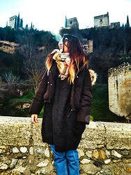 Noemí Puig - Zara Sunglasses, Bershka Coat, Zara Sweater, Zaful Jeans - COMFY
