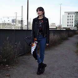 "TurnToBlack Eira - Zara Top, Stradivarius ""Leather"" Jacket, Stradivarius Belt, Zara Bag, Zara Mom Jeans, Dr. Martens Dr.Martens ""Jadon"" - FLAMES"