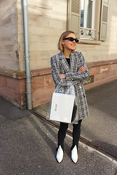 Anna Borisovna - Zara Sunglasses, H&M Pants, Mango Shoes - The Blazer on www.annaborisovna.de