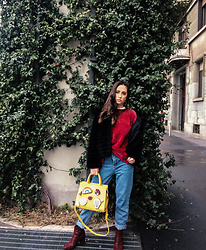 Roberta De Martino - Bershka Red Pullover, Bershka Mom Jeans, Valentino Handbags Yellow Bag, Prima Edizione Red Sequin Boots, Zaful Gold Earrings - Red Mood