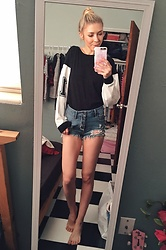 Zuzana - Cello Jeans Shorts, Stylenanda T Shirt, Idealofsweden Phone Case - Weekend style .