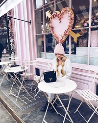 The Blonde Bliss - Prada Handbag, Details On - Pink heaven