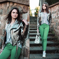 Audrey - Stradivarius Pants, Stradivarius Shirt, Gamiss Jacket, Nike Sneakers - Green pants