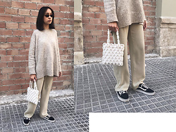 Esther L. - Giant Vintage 90's Sunglasses, Zara Oversized Sweater, Vintage Beaded Bag, Vintage Oversized Linen Trousers, Vans Old Skool - NEUTRALS
