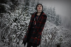 Ewa Macherowska - Second Hand Coat, Second Hand Cardigan, House T Shirt, Tk Maxx Pants, Nn Benie, Diy Choker - Winter Grunge