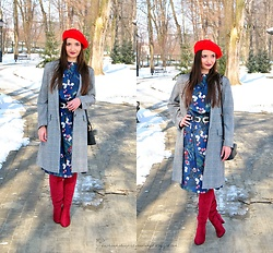 Natalia Uliasz - H&M Red Beret, Gamiss Floral Dress, Zaful Checked Coat, Rosegal Bag, Deezee.Pl High Boots - The perfect combination