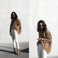 CLAUDIA Holynights - Chicwish Sweater, Levi's® Jeans, New Look Boots - Camel, white and snake print