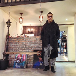 Mannix Lo - Wagamamaplayground Functional Outer, Zara Loose Pants, Converse All Star Sneakers - BLACK color is my HAPPY color