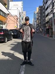 ★masaki★ - Kollaps Post Punk ポストパンク, Komakino Bomber, Joy Division Tee, Monochrome Sarouel, Adidas Adidasslvr, Saint Laurent Sunglasses - In the STREET
