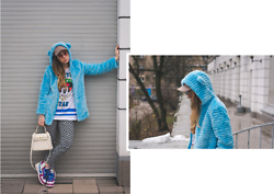 Iwona - Nike Sneakers, Vintage Bag, H&M Cap, Next Pants - BLUE COAT