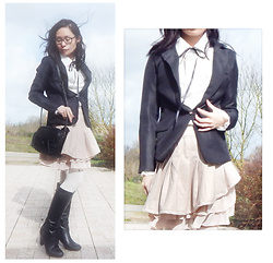 Nowaki Selenocosmia - Liz Lisa Assymetrique Skirt, Cat Bag - Half child half adult