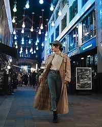 Frankie Miles - Vintage Cap, Vintage Cashmere Knit, Na Kd Highwaist Skinny Jeans, Burberry Classic Trenchcoat, Dr. Martens Boots - Classic Burberry