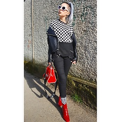 Darina David - Bershka Boots, Puma Bag, H&M Blouse, H&M Overall, New Yorker Sunglasses - Blavk white red