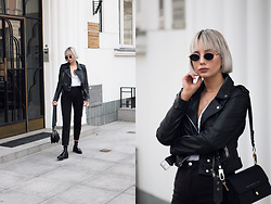 MONIKA S - Round Vintage Sunglasses, V Neck T Shirt, Leather Biker Jacket, High Waisted Mom Jeans, Python Embossed Leather Bag, Leather Shoes - KILLER