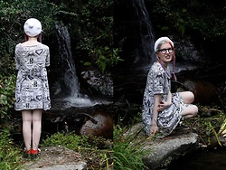 Lindwormmm - Kumiko Watari Koala Print Dress, Kangol Bobble Beret, Round Glasses - Our Pond