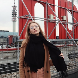 Dasha - Scarf, Ovs Shirt, Pull & Bear Trousers, Pull & Bear Coat, Stellazitta Glasses - Rain