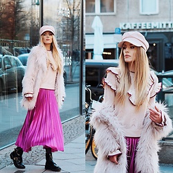 Laura Simon - Asos Pink Skirt, River Island Cut Out Boots, River Island Faux Fur Coat, Mbym Sweater With Volants, H&M Paper Boy Hat - Pink Mondays in Berlin