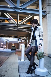 Isabel Alexander - Ann Taylor Loft Beige Trench Coat, H&M Olive Denim Shorts, Tony Bianco Black Stretch Peep Toe Booties, Yuzefi Olive Bag Embellished Chain, The Dark Shop Gold Zippers Bracelet - Trench Coats & Shorts