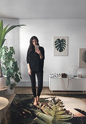 Victoria Saint Norén - Cheap Monday Black Skinny Jeans, Louis Vuitton Nano Speedy - All Black