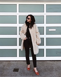 Tiffany Wang - H&M Coat, Agolde Jeans, Loq Shoes, Le Specs Sunglasses - TEDDY COAT