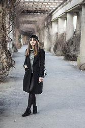 Ala Anigacz -  - THE LONG BLACK COAT