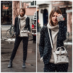 Jacky - 3.1 Phillip Lim Bag, Vila Blazer, Vila Pants, Zara Boots, Vila Sweater - Two-piece with a chunky sweater.