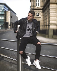 Dbrodovski - Calvin Klein Jumper, Zara Leather Jacket, Zara Pants, Adidas Shoes - Keeping white Stan by wearing leather jacket *