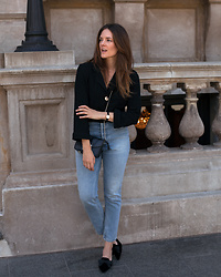 Jenelle Witty -  - BLACK SHIRT & CLASSIC JEANS
