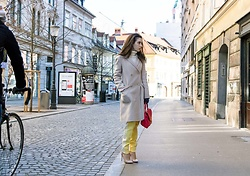 Veronika Lipar -  - HOW TO WEAR YELLOW TRACK PANTS ON THE STREET