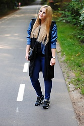 Anna K - Abercrombie & Fitch Jacket, Versace Jeans Shoes, Valentino By Mario Bag, Daniel Wellington Dw Watch - BLONDE HAIR