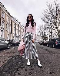 Savina Official - I Saw It First Top, Closet London Trousers, Ego Boots, Topshop Sunglasses - STRIPE IS THE HYPE