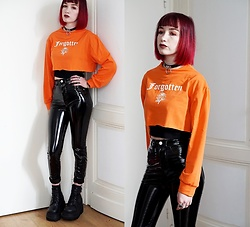 Lea B. - Pull & Bear Pants, Demonia Shoes, Shein Sweat Shirt - Vinyl pants