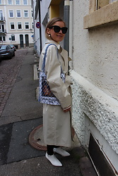 Anna Borisovna - Céline Sunglasses, H&M Trenchcoat, H&M Shoes, Céline Bag - The Trenchcoat