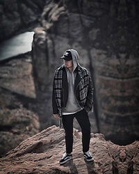 Edgar - Vans Black Sneakers, Zara Black Cropped Pants, Asos Gray Hoodie, H&M White Top, H&M Black Leather Jacket, Bugatti Gray Scarf, Adidas Black Originals Cap - COLORADO RIVER, ARIZONA